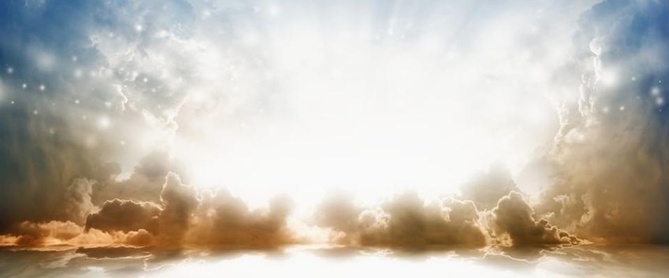 Dios, con su amor y su poder